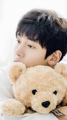 I wish I was the stuffed toy😔😂so I can be with Ji Chang Wook❤️ Ji Chang Wook Smile, Ji Chang Wook Healer, Ji Chan Wook, Asian Actors, Korean Actors, Korean Dramas, Healer Korean, Ji Chang Wook Photoshoot, Charming Eyes