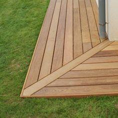Horizontal Deck Railing, Patio Railing, Pergola, Patio Deck Designs, Yard Design, Deck Patterns, Terrasse Design, Timber Deck, House Viewing
