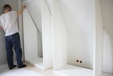 Colorelle modeblogg - Inredning Attic Wardrobe, Slanted Ceiling, Attic Conversion, Walk In Closet, Things To Buy, Master Bedroom, Sweet Home, Storage, Interior