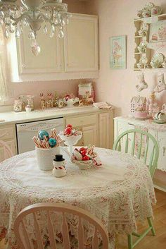Shabby chic Christmas Pinterest: EnchantedInPink