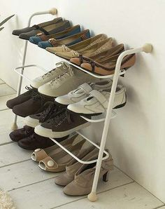 [増えすぎて下駄箱に収納できなくなった靴を整理]シューズラック スマート - 日用品、ペットグッズ通販サイト 楽しい生活グッズショップフェイマス