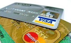 """Bargeldloser Zahlungsverkehr - Übertragungen von Zahlungsmitteln und Begleichungen von Verbindlichkeiten ohne die Benutzung von Bargeld bezeichnet man als """"Bargeldloser Zahlungsverkehr"""". Man unterscheidet zwischen mehreren Zahlungsarten wie z. B.  Dauerauftrag Einzugsermächtigung Electronic Cash (online und o..."""