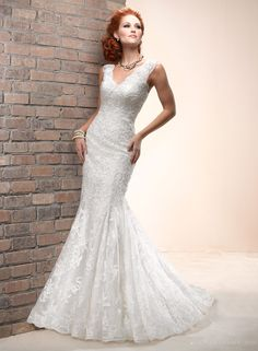 Enticing 2014 New Arrival Style V-neck Lace Wedding Dress at Storedress.com
