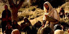 Jesus erklärt, dass man sich keine Schätze auf Erden, sondern im Himmel anhäufen soll.