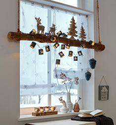 Fénylánc kis szürke dobozok formájában, 10 darab meleg fehér színben világító LED égővel. Fenyőfa és hópehely mintázattal. Elemmel üzemeltethető, melyet a csomag nem tartalmaz. Be- és kikapcsoló gombbal.