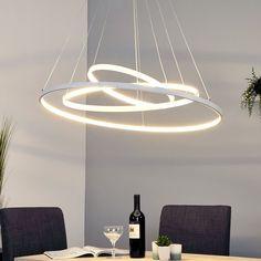 Trois anneaux composent la suspension Eline, qui garantit un éclairage clair et agréable et séduit par son style moderne. Parfait comme éclairage de table. Coloris : blancMatériau : métal, polycarbonateTempérature de couleur: : blanc chaud (3 000 K)Diamètre : 80 cmLongueur de suspension : 120 cmClasse d'éfficacité énergétique : A+Intensité variable : nonAmpoule(s) : LED, 42 W au totalAmpoule(s) fournie(s) : ouiFlux lumineux en lumen : 2.940Protection IP : IP20Classe de protection : IIHau...