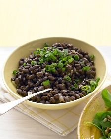 Black Beans with Lime - This side dish cooks up in just 10 minutes; a little chili powder gives the beans a spicy kick.