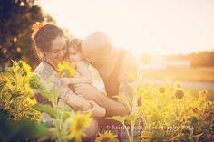 Sunflower Maternity Session | Kristin Jent Photography | www.kristinjentphotography.com | Dayton and Cincinnati Ohio Maternity Photographer
