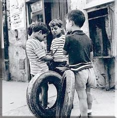 Cute Photos, Old Photos, Vintage Photos, Greek History, Old Games, Photo B, Black N White Images, Athens Greece, Historical Photos