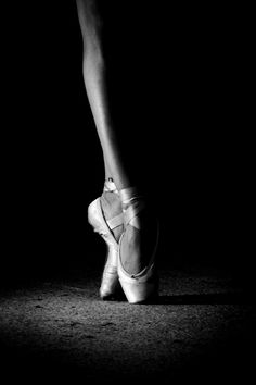 black and white photo...ballet...en pointe...contrast