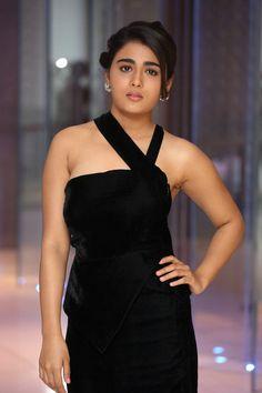 Shalini Pandey Actress Photos Stills Gallery Beautiful Blonde Girl, Beautiful Girl Indian, Most Beautiful Indian Actress, Beauty Full Girl, Cute Beauty, Beauty Women, Beautiful Bollywood Actress, Beautiful Actresses, Beautiful Heroine