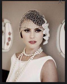 Gatsby style: wedding inspiration - part 1 1920s Wedding Hair, Vintage Style Wedding Dresses, Great Gatsby Wedding, Vintage Bridal, Wedding Dress Styles, Jazz Wedding, Vintage Prom, Wedding Hats, Wedding Blog
