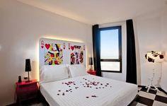 migliori family hotel in italia Hotel Motel, Bed, Furniture, Home Decor, Italia, Die Cutting, Decoration Home, Room Decor, Home Furniture