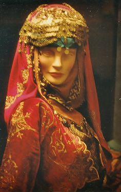 Bridal headgear from Northwestern Anatolia.  Late-Ottoman, urban style, c. early 20th century.  On exhibit in the Izmir Ethnographic Museum.  (Kavak Archives, © J.M. Criel).