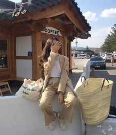 Korean Aesthetic, Beige Aesthetic, Photography Bags, French Girl Style, Poses For Photos, Modest Outfits, Aesthetic Clothes, Korean Girl, Cute Girls