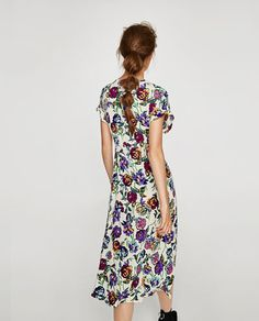 Sue Apparel added new photos. Short Sleeve Dresses, Dresses With Sleeves, Zara United States, Floral Prints, Women, Photos, Collection, Fashion, Vestidos