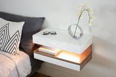 Floating Nightstand with Drawer in Walnut / Mid Century Modern Bedside Table Modern Bedside Table, Side Table Lamps, Bedside Tables, Bed Side Table Ideas, Diy Nightstand, Floating Nightstand, Unique End Tables, Diy Home Decor, Bedroom Decor