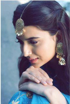Dpz for girls Portrait Photography Poses, Fashion Photography Poses, Cute Girl Poses, Girl Photo Poses, Cute Girl Face, Cute Girl Photo, Stylish Girls Photos, Stylish Girl Pic, Punjabi Hairstyles