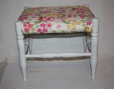 """Vtg Wood Vanity Bench Dressing Table Stool Shabby Cottage Chic Pink Floral 15"""" #Unbranded"""