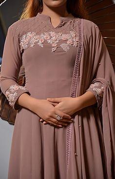 Churidar Designs, Kurta Designs Women, Salwar Dress, Anarkali, Salwar Pattern, Beautiful Dress Designs, Kurti Embroidery, Long Gown Dress, Indian Fashion Trends