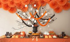 Halloween is almost here. Booooo… I am sure you guys are planning for Halloween party for your own. Well, have a look at this amazing Halloween party ideas to get … Halloween Desserts, Spooky Halloween, Halloween Wedding Decorations, Halloween Dessert Table, Bonbon Halloween, Postres Halloween, Party Decoration, Halloween Trick Or Treat, Halloween Treats