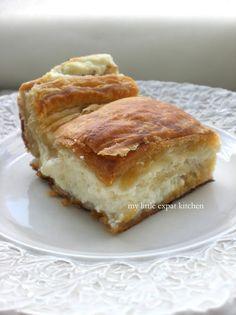 My Little Expat Kitchen: The Tyropita (Greek cheese pie) Greek Cheese Pie, Cheese Pies, Greek Desserts, Greek Recipes, Tiropita Recipe, Crockpot, Macedonian Food, Sandwiches, Greek Cooking