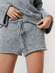 Whether you're in the mood to knit yourself a pair of Heartbreaker Shorts or a Pop Life Cardigan, our Billie Jean Yarn will soon be your new favourite. Knit Pants, Knit Shorts, Plaid Pants, Grey Shorts, Short Tejidos, Knitting Kits, Knitting Ideas, Pants Pattern, Crochet Shorts Pattern