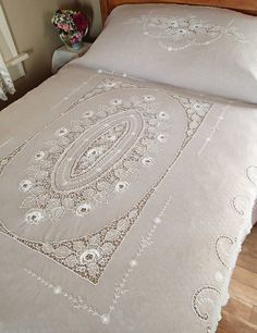 *****  ANTIQUE Fine Tambour Net Lace Embroidered White Coverlet Vintageblessings