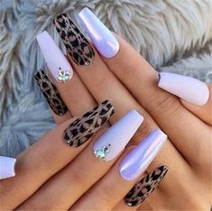 Semi-permanent varnish, false nails, patches: which manicure to choose? - My Nails Cute Acrylic Nails, Glitter Nail Art, Hair And Nails, My Nails, Cheetah Nails, Mermaid Nails, Fire Nails, Manicure E Pedicure, Colorful Nail Designs