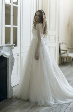 Tulle Empire Waist Silhouette Wedding Gown
