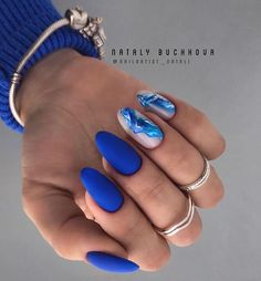 44 Unique Blue Nail Designs, You Will Want to Try as Soon as Possible - - Blue is considered the color of responsibility, loyalty and trust. It's also about being quiet, reserved and confident. Many women like blue nail designs. Elegant Nails, Classy Nails, Stylish Nails, Classy Almond Nails, Almond Gel Nails, Almond Nails Designs, Blue Nail Designs, Blue Nails With Design, Unique Nail Designs