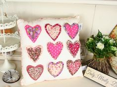 Pretty Heart Applique Cushion | Nine Applique Hearts | Shabby Chic Cushion Shabby Chic Cushions, Shabby Chic Decor, Applique Cushions, Applique Quilts, Sewing Projects For Beginners, Projects To Try, My Ideal Home, Applique Ideas, Bedroom Inspo