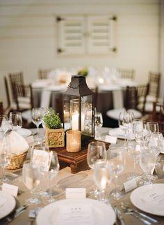 Awesome 171 Wedding Lantern Centerpiece Ideas https://weddmagz.com/171-wedding-lantern-centerpiece-ideas/
