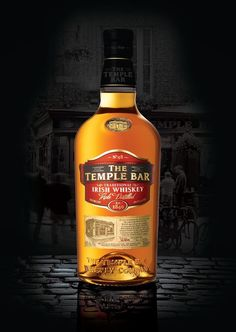 The Temple Bar 14 Year Old Irish Whiskey finished in Bodegas Bianchi Argentinian Malbec Casks. Whiskey Label, Cigars And Whiskey, Scotch Whiskey, Bourbon Whiskey, Bourbon Drinks, Booze Drink, Alcoholic Drinks, Strong Drinks, Temple Bar