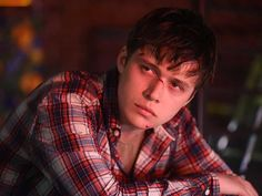Image result for nick robinson charlie Nick Robinson Everything Everything, Beautiful Boys, Pretty Boys, Love Simon Movie, Scream Movie, Jurassic Park World, Attractive Guys, Elle Fanning, Thing 1