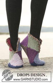 "DROPS slippers in garter st in 2 or 8 colours in ""Eskimo"". ~ DROPS Design"