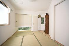 f:id:mucchiononta:20180927171014j:plain Garage Doors, Outdoor Decor, Home Decor, Decoration Home, Room Decor, Home Interior Design, Carriage Doors, Home Decoration, Interior Design