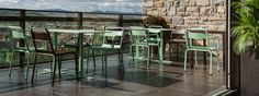 MØBLA | Lehn-Stuhl Biarritz von ISIMAR für den Innen- und Außenbereich. Stapelbar. In 28 Farben.