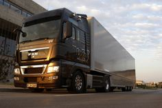 Europe design is so far ahead. Man Trucks V8 TGX 680.