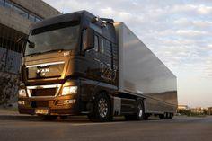Europe design is so far ahead. Man Trucks V8 TGX 680.