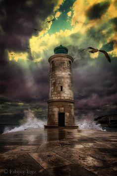 ~~Phare | dramatic lighthouse seascape, Marseille, France | by Fabrice Kurz~~