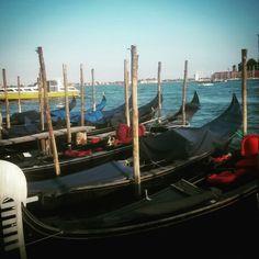 Gondolas de Venecia.