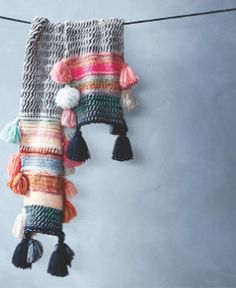 Being Bohemian: Cold Weather Accessories(Diy Ropa Interior) Knitting Projects, Crochet Projects, Knitting Patterns, Crochet Patterns, Crochet Scarves, Crochet Shawl, Knit Crochet, Winter Trends, Crochet Capas
