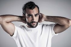"Italy: Marco Mengoni announces Spanish-language album ""Liberando Palabras"""