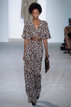 #MichaelKors #fashion #Koshchenets Michael Kors Collection Spring 2017 Ready-to-Wear Collection Photos - Vogue