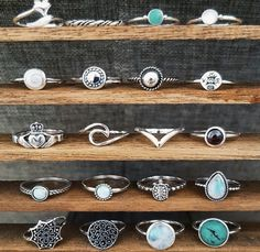In creating your own wedding event ring you can personalize the design to fit your tastes and even contain secret signs or messages to each other. Simple Jewelry, Cute Jewelry, Boho Jewelry, Silver Jewelry, Jewelry Accessories, Fashion Jewelry, Silver Bracelets, Silver Ring, Cute Rings