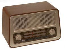 Radio Antigua estilo retro color beige #retro #vintage #radios #musica #sintonizador #antiguo
