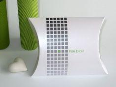 Geschenkverpackungen - Kissenschachtel mit modernem Karomuster in versichedenen Farben und Größen erhältlich
