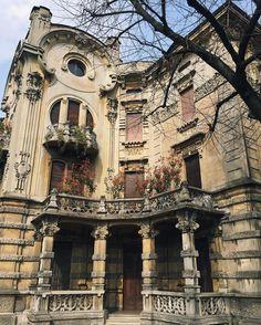 Villino Marazzi 1911   #Parma #vivoparma #igersparma #turismoer #liberty #artnouveau #archilovers #architecture #vsco #vscocam #whatitalyis #livefolk #liveauthentic by julietvampire