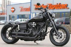 Customized Harley-Davidson FXDF Fat Bob by Thunderbike Customs Germany .